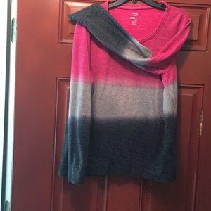 Sweatshirt multicolor and warm. Comfy to wear .